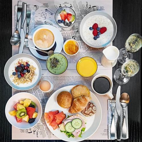 🎉 Good morning, it's weekend o'clock🎉 🍴  Breakfast is served during the weekend 7:30-11AM 🍴 ❤ You're more than welcome to enjoy our fresh, healthy, organic and homemade focused brekkie even if your not staying at the hotel ❤ #hotelfabian  #wedontmindifyoustaylonger