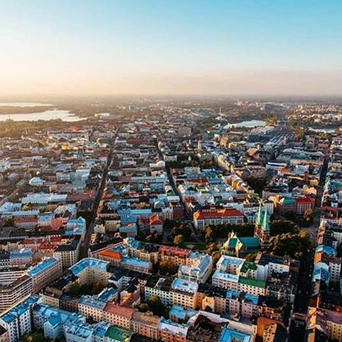 Happy birthday Helsinki! How are you going to celebrate this beautiful city today? ☀️ 📸 credit to talented @jussihellsten  #hotelfabian #wedontmindifyoustaylonger #jussihellsten #helsinki